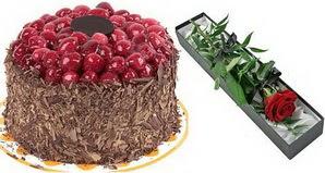 1 adet yas pasta ve 1 adet kutu gül  Eskişehir uluslararası çiçek gönderme