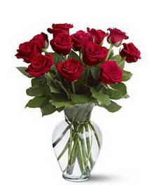 Eskişehir çiçek gönderme sitemiz güvenlidir  cam yada mika vazoda 10 kirmizi gül