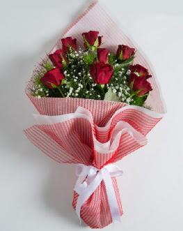 9 adet kırmızı gülden buket  Eskişehir çiçek satışı