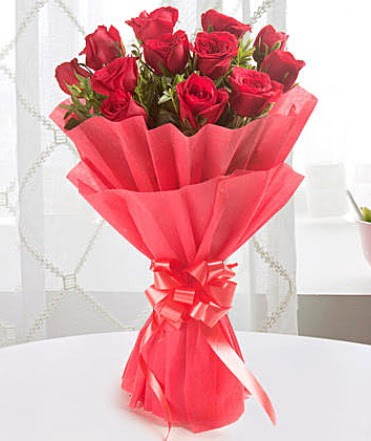 12 adet kırmızı gülden modern buket  Eskişehir çiçek yolla