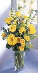 Eskişehir online çiçek gönderme sipariş  sari güller ve gerbera cam yada mika vazo