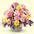 Eskişehir uluslararası çiçek gönderme  sepet içerisinde gül ve mevsim