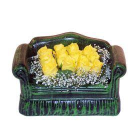 Seramik koltuk 12 sari gül   Eskişehir ucuz çiçek gönder