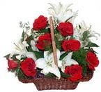 sepette gül ve kazablankalar   Eskişehir çiçekçi mağazası