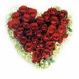 kalp biçiminde 15 gülden   Eskişehir güvenli kaliteli hızlı çiçek