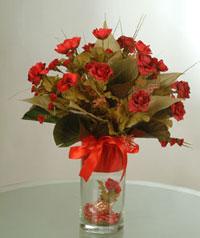yapay güllerden vazo  9 gül  Eskişehir uluslararası çiçek gönderme