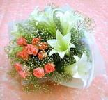 Eskişehir çiçek yolla  lilyum ve 7 adet gül buket