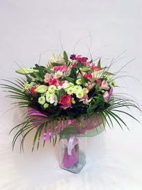 Eskişehir hediye çiçek yolla  karisik mevsim buketi mevsime göre hazirlanir.