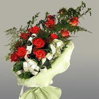 Eskişehir ucuz çiçek gönder  11 adet kirmizi gül buketi sade haldedir
