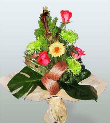 Eskişehir ucuz çiçek gönder  3 adet gül 4 adet gerbera çiçegi sade buket