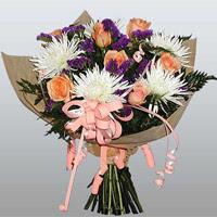 güller ve kir çiçekleri demeti   Eskişehir çiçekçiler