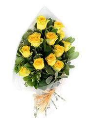 Eskişehir güvenli kaliteli hızlı çiçek  12 li sari gül buketi.