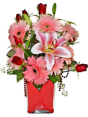 Eskişehir cicek , cicekci  karisik cam yada mika vazoda mevsim çiçekleri mevsim demeti