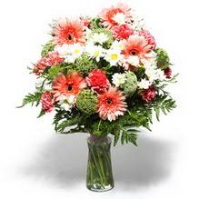 Eskişehir çiçekçiler  cam yada mika vazo içerisinde karisik demet çiçegi