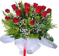 Eskişehir çiçek satışı  12 adet kirmizi gül buketi esssiz görsellik