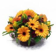 gerbera ve kir çiçek masa aranjmani  Eskişehir çiçek siparişi vermek