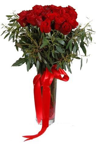 15 adet kirmizi gül cam vazo içerisinde  Eskişehir internetten çiçek satışı