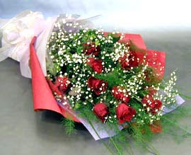 10 adet kirmizi gül çiçegi gönder  Eskişehir anneler günü çiçek yolla