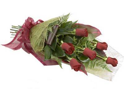 ucuz çiçek siparisi 6 adet kirmizi gül buket  Eskişehir çiçek siparişi sitesi