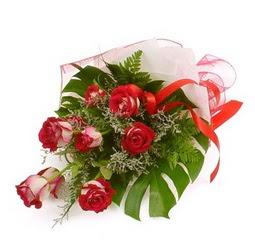Çiçek gönder 9 adet kirmizi gül buketi  Eskişehir çiçek siparişi vermek