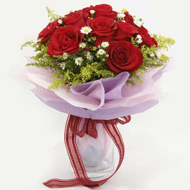 Çiçek gönderme estetikliginiz 11 gül buket  Eskişehir çiçekçi mağazası