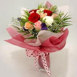 Karisik renklerde 11 adet gül buketi  Eskişehir çiçek gönderme
