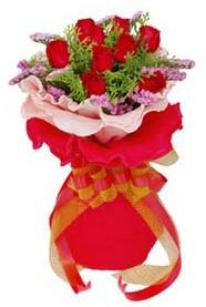 Eskişehir cicekciler , cicek siparisi  8 Adet kirmizi güllerden buket tanzimi
