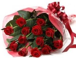Eskişehir anneler günü çiçek yolla  10 adet kipkirmizi güllerden buket tanzimi