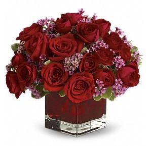 11 adet kırmızı gül vazosu  Eskişehir çiçekçiler
