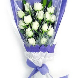 Eskişehir çiçekçi mağazası  11 adet beyaz gül buket modeli