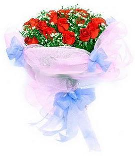 Eskişehir çiçek siparişi sitesi  11 adet kırmızı güllerden buket modeli