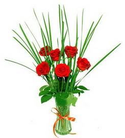 Eskişehir çiçek , çiçekçi , çiçekçilik  6 adet kırmızı güllerden vazo çiçeği