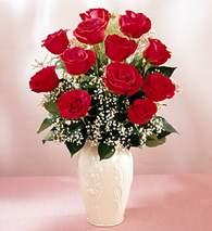 Eskişehir çiçekçi mağazası  9 adet vazoda özel tanzim kirmizi gül