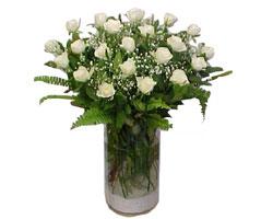 Eskişehir yurtiçi ve yurtdışı çiçek siparişi  cam yada mika Vazoda 12 adet beyaz gül - sevenler için ideal seçim