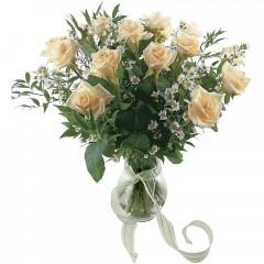 Vazoda 8 adet beyaz gül  Eskişehir 14 şubat sevgililer günü çiçek