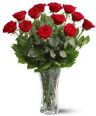 11 adet kırmızı gül vazoda  Eskişehir internetten çiçek siparişi
