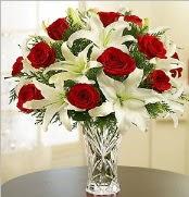 12 adet kırmızı gül 2 dal kazablanka vazosu  Eskişehir çiçek satışı