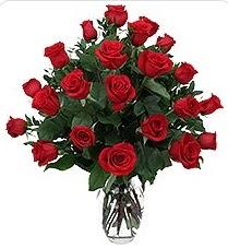 Eskişehir çiçek siparişi sitesi  24 adet kırmızı gülden vazo tanzimi