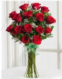 Cam vazo içerisinde 11 kırmızı gül vazosu  Eskişehir anneler günü çiçek yolla