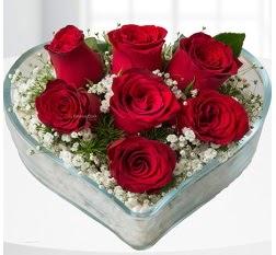 Kalp içerisinde 7 adet kırmızı gül  Eskişehir çiçek servisi , çiçekçi adresleri