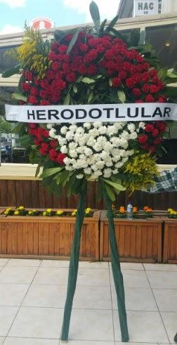 Cenaze çelengi cenazeye çiçek modeli  Eskişehir çiçek satışı