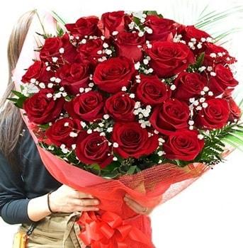 Kız isteme çiçeği buketi 33 adet kırmızı gül  Eskişehir çiçek gönderme sitemiz güvenlidir