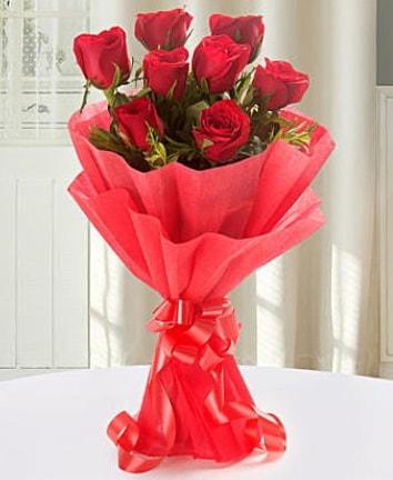 9 adet kırmızı gülden modern buket  Eskişehir İnternetten çiçek siparişi