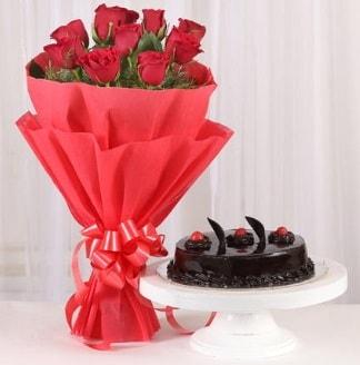 10 Adet kırmızı gül ve 4 kişilik yaş pasta  Eskişehir internetten çiçek satışı